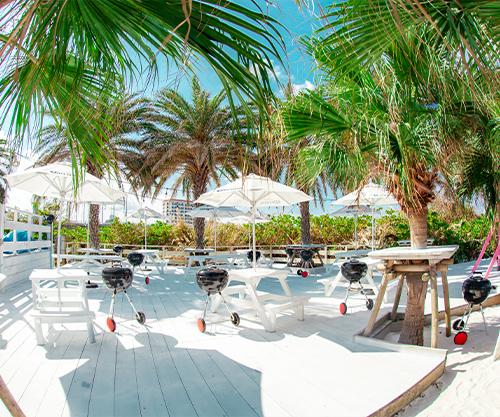 沖縄県那覇市でバーベキューならコージービーチ。手ぶらでバーベキューするならスィートエリア