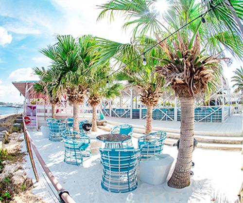 沖縄県那覇市でバーベキューならコージービーチ。手ぶらでバーベキューするならガーデンエリア