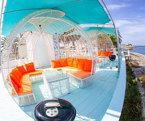 沖縄県那覇市でバーベキューならコージービーチ。手ぶらでバーベキューするならパームエリア