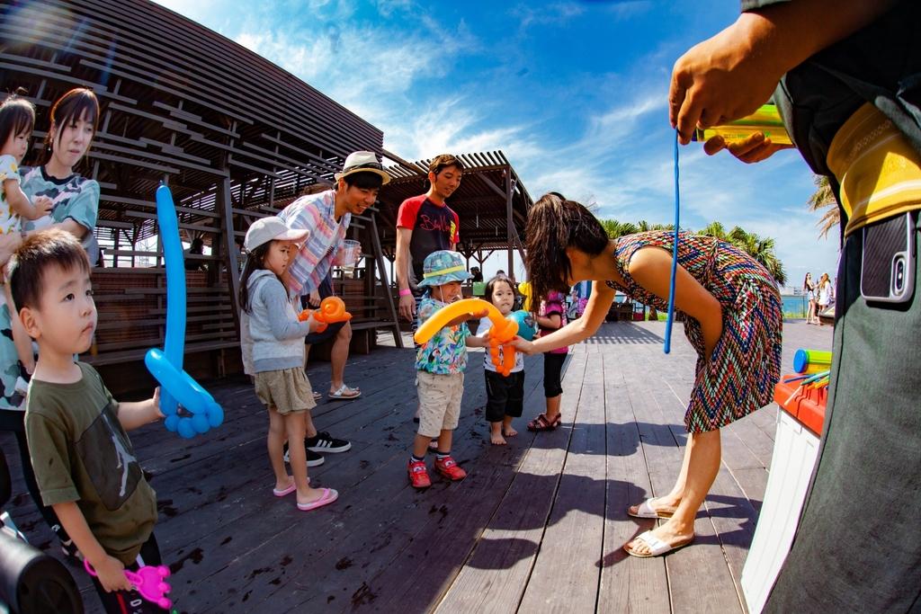 キッズエリア 子供も喜ぶイベント開催 詳しくはホームページ|沖縄 那覇 手ぶらバーベキューならコージービーチクラブ cozy beach club